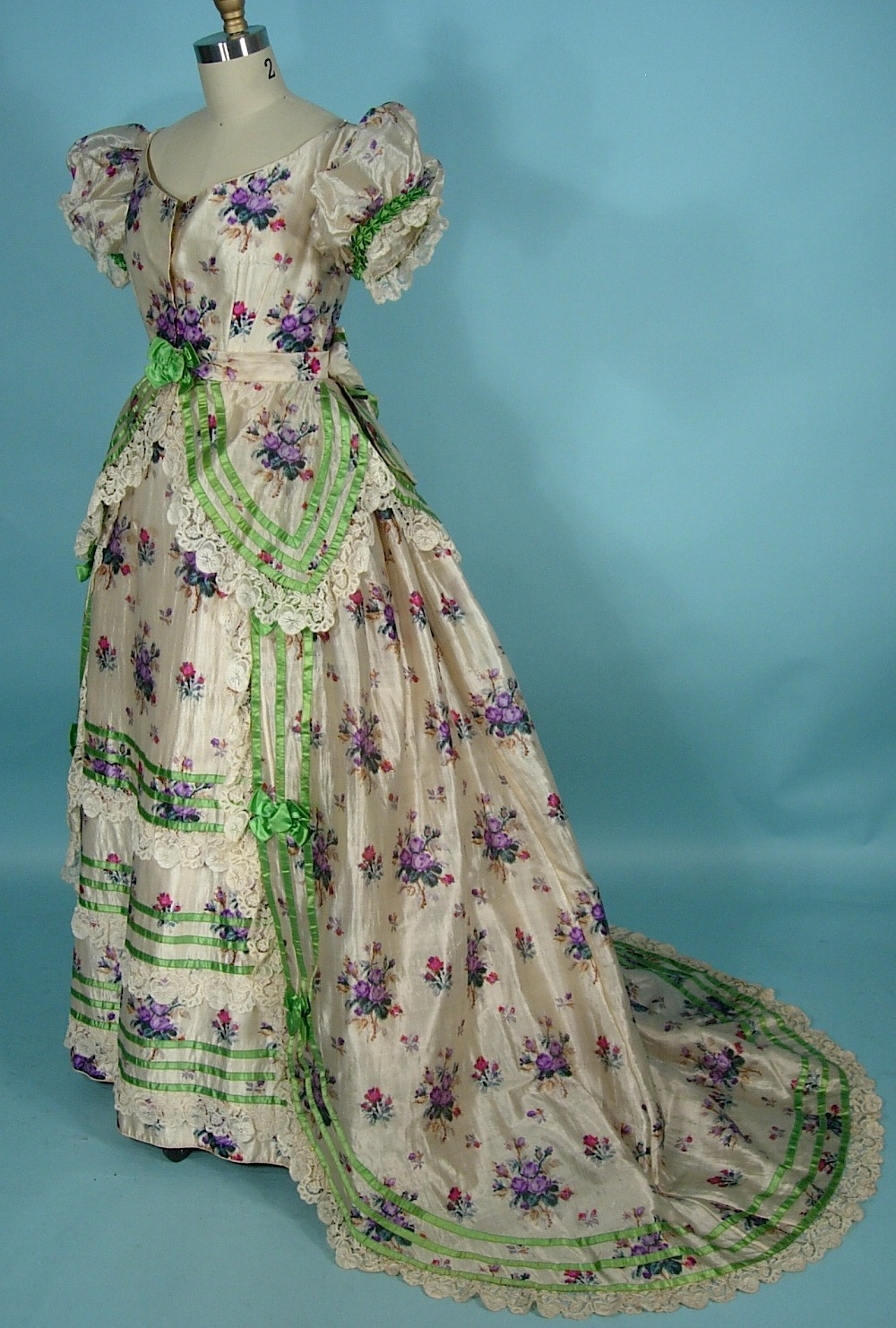 AntiqueDress.com - Museum items for Sale