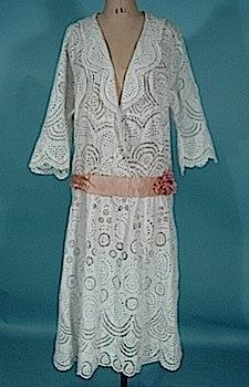 a60edadd0c00 AntiqueDress.com - 1850-1920s