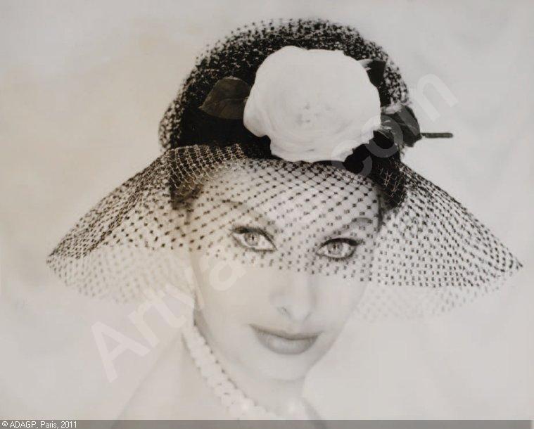 Antique Dress - Item f...